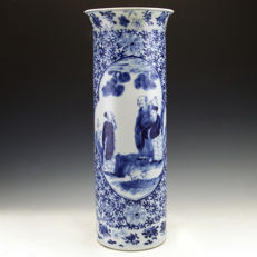 Large Chinese blue and white porcelain cylinder vase - China - 19th century