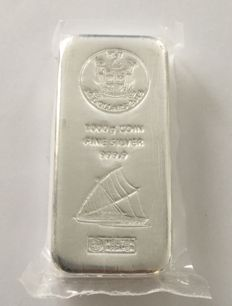 Fiji Heraeus: 1000 g silver bars, themed bars with sailing ship motif from 2015, new and sealed