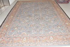 This is an oriental carpet, magnificent Tabriz - 360 x 255 cm. With certificate of authenticity.