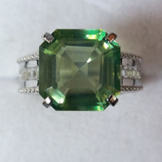Vintage style Genuine 7.97cts Asscher Cut Octagon Brazilian Fern Green Quartz Coctail Ring