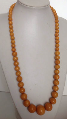 Collector's Bakelite necklace, 73 cm