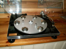 Hand-built turntable: by RECISION ENGINERING LTD. ENG. the TRANSTATOR GOLDEN SHADOW by J.A. MICHEL