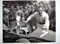 Stirling Moss - Oulton Park 1955 - Maserati 250F #7 - Great Photo Print HV Silk MC 250 g/m2