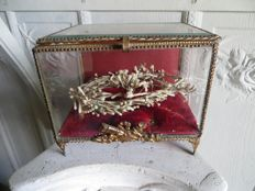 Antique and rare wedding box with memories of such a special day for wedding dames, France, late 19th / early 20th century