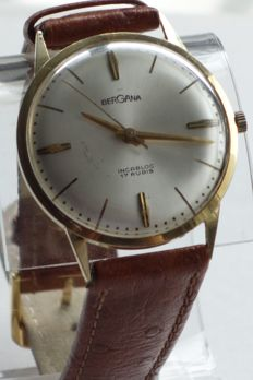 Bergana 14 kt gold watch television lottery around 1965.