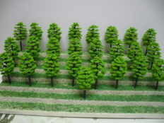 Scenery N - 188-piece lot with trees