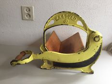 Raadvad – Vintage cast iron bread slicer, model no. 295
