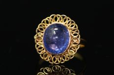 18 kt gold ring set with natural tanzanite 3 ct, size 62