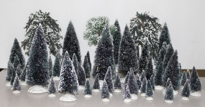74 trees / hedge for a Christmas village (Lemax)