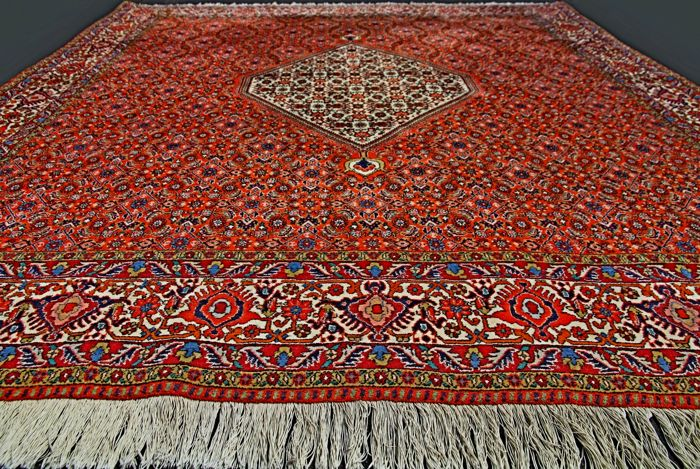 Splendid unique Iranian Bidjar rug, approx. 210 x 200 cm. Square-shaped with Mahi pattern, second half of the 20th century, collector's item!