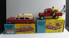 Corgi Toys - Scale 1/43 - Land Rover breakdown truck - No.417 & Ambulance Cadillac - No.437