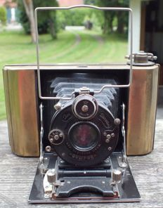 Old plate camera ICA ICARETTE with baseboard camera + Carl Zeiss Jena lens from 1926