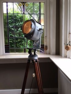 A.E. Cremer – Old, original Stage lamp on an old tripod