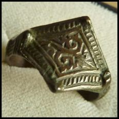 Indo-European Medieval ring (Viking age) 19 mm.