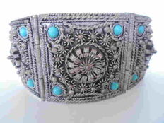 Beautifully tooled, Silver, Turkish Filigree bracelet with turquoise