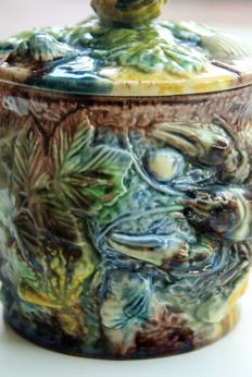 Thomas Sergent - very rare tobacco bag of Majolica the palissy style, France, 1850
