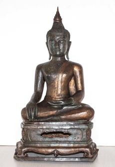 Large bronze statue of a Buddha (approx. 70 cm) - Thailand - second part of the 20th century