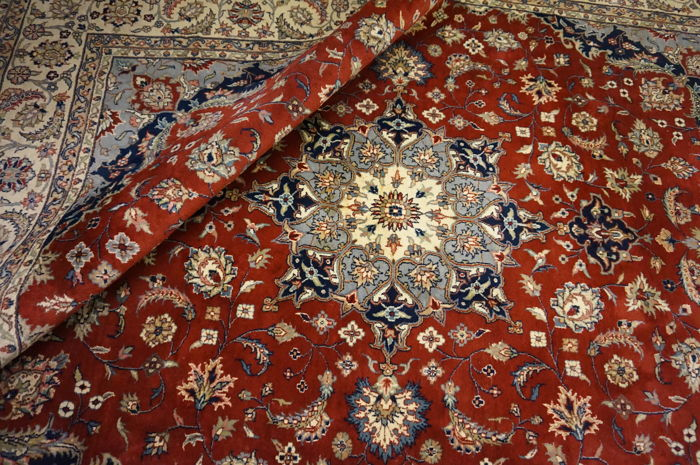 Noble hand-knotted Oriental carpet, Indo Isfahan, 250 x 330 cm, made in India