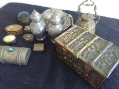 12 vintage old boxes and ornamental objects