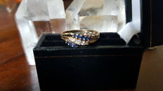 Yellow Gold Ring set with Natural Blue Sapphires & Diamonds.