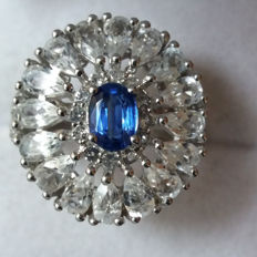 Beautiful & Genuine 5.80cts Nepalese Peacock Blue Kyanite with White Topaz Coctail ring. Gorgeous