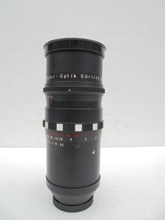 Een Meyer Optik Görlitz  Primotar 3.5/ 135mm productie datum onbekend .