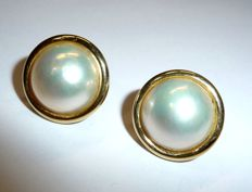 Wempe – large earrings by Wempe made of 18 kt / 750 gold with fine Mabe pearls of approx. 16 cm