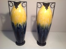 Boch - A pair of earthenware Art Deco ornamental vases with wrought-iron frame - 47 cm high