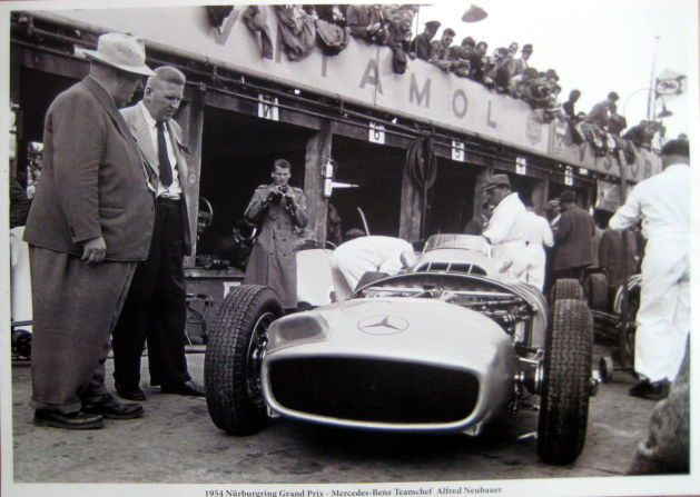Nürburgring 1954 - Mercedes-Benz Pit with Teamchef Alfred Neubauer - Great Photo Print HV Silk MC 250 g/m2