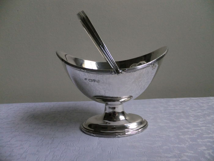 Silver sweetmeat basket , Barker Brothers , 1912 , Chester