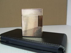 Gold-plated Dupont lighter; horizontal line