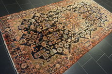 Original beautiful semi antique BACHTIAR hand-woven Persian carpet Bachtiary plant dyes 160 x 300 cm