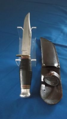 Very beautiful knife WILLIAM RODGERS WW2 with leather case