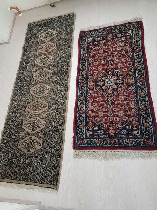 Two fantastic hand-knotted Oriental rugs, no reserve price