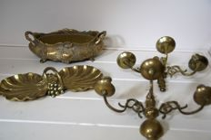 lot of 4 bronze home decor, incl. 2 wall sconces