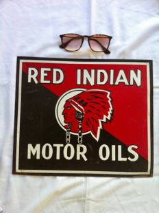 Red Indian metal plate