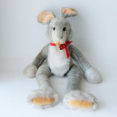 Original Steiff giant XXL Bunny plush # 3144/60 - length 88cm - with original ID button dated from the late seventies