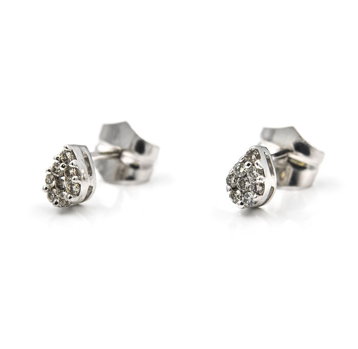 White gold (750/ 18 kt) – Earrings – Diamonds, 0.35 ct – Diameter: 3.85 mm (approx.)