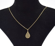 14 carat yellow gold chain with pear shape pendant  - 45 cm