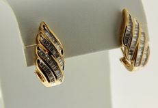 18 kt, Yellow gold earrings inlaid with diamond, 0.795 ct, Measurements: 10 x 21 mm