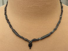 Roman Empire- Necklace with black iridescent glass beads - 42 cm.
