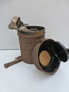 1916 German gas mask can with remnants of Rubber-mask