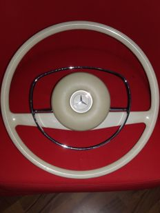 Mercedes-Benz W108 W109 W114 W115 White Steering Wheel Original!