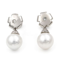 18 kt (750/1000) white gold - two-in-one earrings with 0.2 kts brilliant cut diamonds  and Australian South sea pearls
