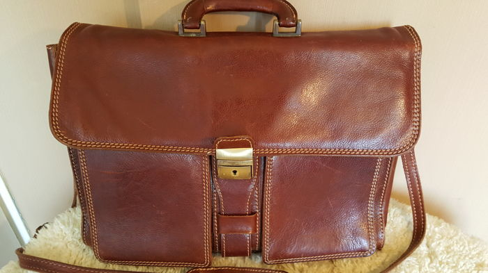 Exclusive Italian genuine soft leather briefcase (presumably Conti or Tuscany).