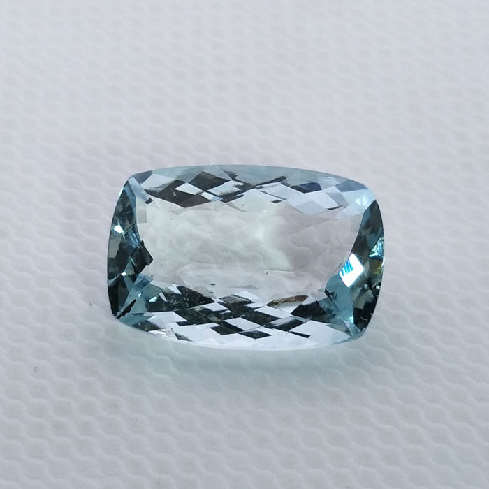 Aquamarine - 3.69 ct