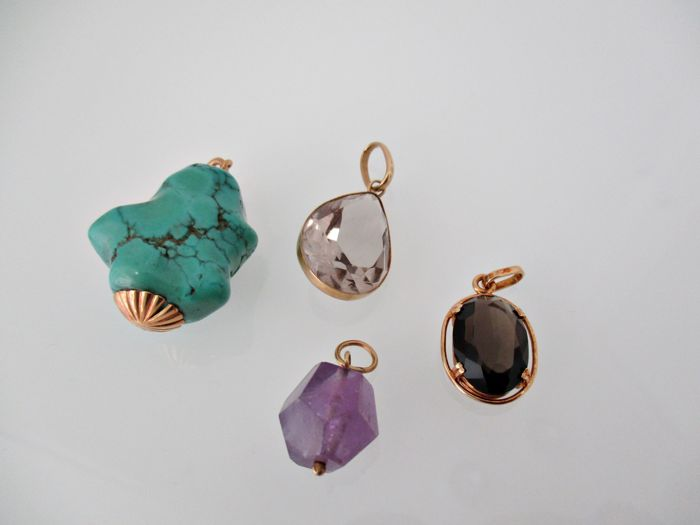 Lot of four pendants in 18 kt gold // Amethyst // Turquoise // Smoky quartz.