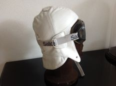 Luxury white Nappa Leather Cap including basic Goggles used as showroom model cap size 58