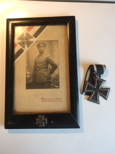 Photo in remembrance of a combatant of World War I with an Iron Cross 2nd class 1914