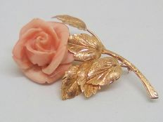 Antique gold brooch with a large coral rose, early 20th century